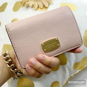 💖OFFERS??💖•Michael Kors• Blush Pink Small Wallet